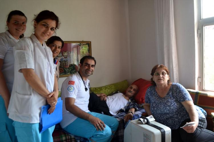 12 Bin 300 Hasta Evinde Ziyaret Edildi