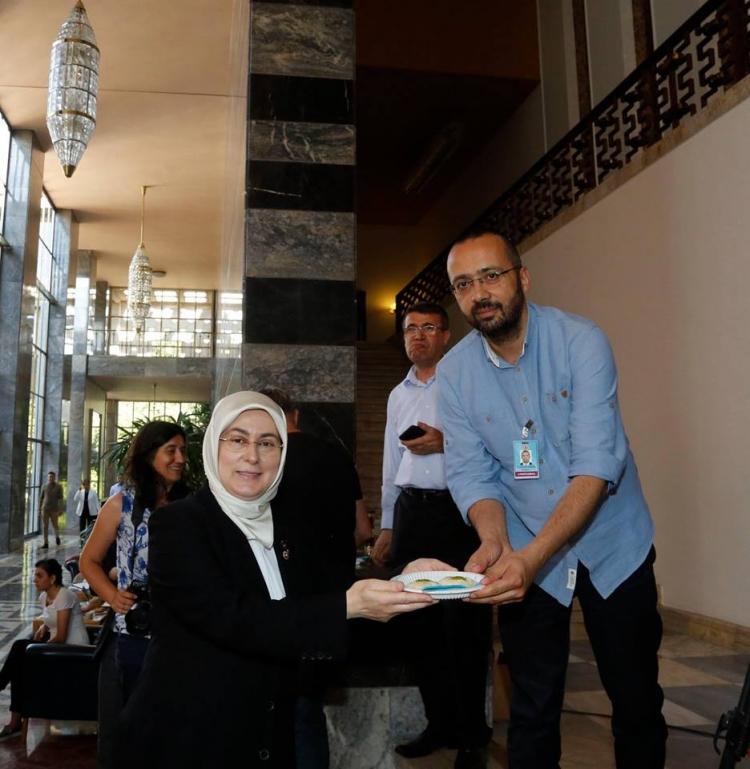 """Akyol'dan Meclis Muhabirlerine, """"Yalova Sütlüsü"""""""