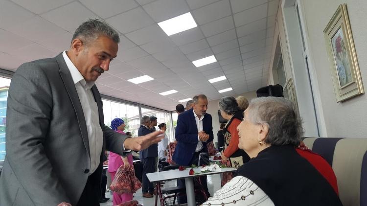 Ak Parti Yalova Teşkilatı Yaşlıları Unutmadı