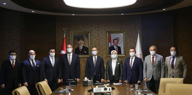 """Ak Parti'den Ankara'ya, """"Proje"""" Çıkarması"""