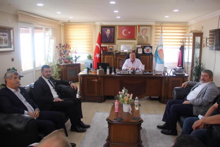 Ak Parti'den MHP'li Belediyelere Ziyaret
