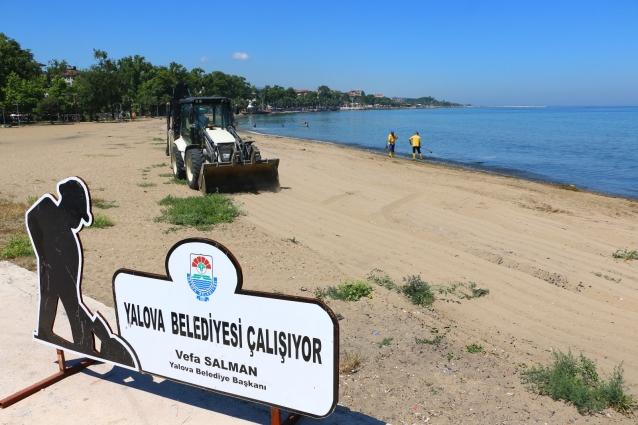 Akasya Plajı Temizlendi