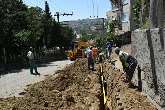 Armutlu'da Doğalgaz Çalışmaları Sürüyor