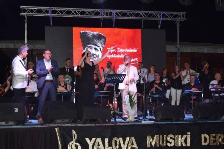 Armutlu'da Türk Sanat Müziği Ziyafeti