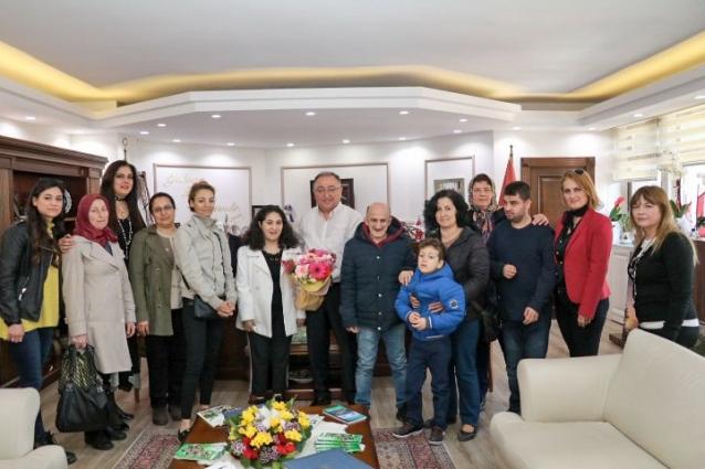 Atla Terapi Gören Özel İnsanlar Salman'ı Ziyaret Etti