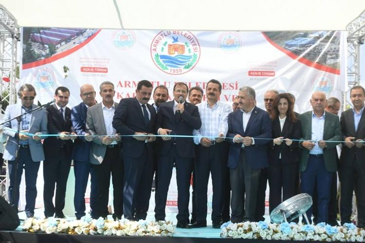 Başbakan Yardımcısı Çavuşoğlu ve Bakan Arslan Armutlu'da Açılış Yapıp Temel Attı