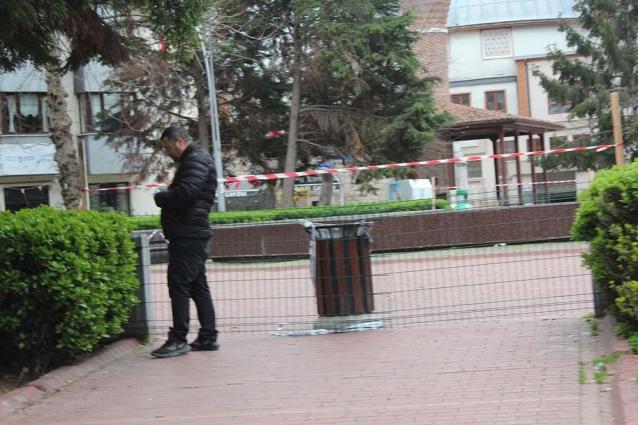 """Belediye Çareyi, """"Çit"""" Çekmekte Buldu"""
