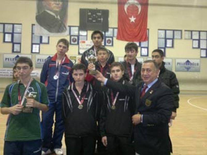 Bölgenin Şampiyonu Yalova Belediyespor