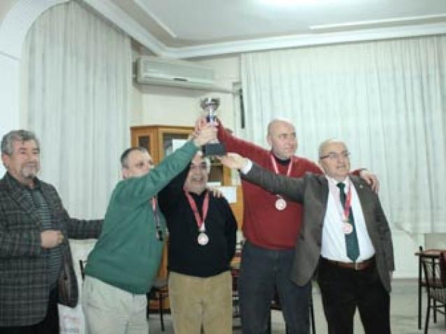 Briç'in Şampiyonu Yürüyen Köşk