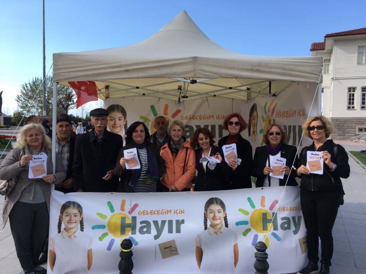 CHP Kadın Kolları Hayır Standı Açtı