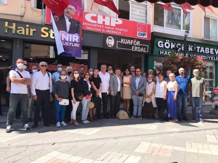 """CHP'ye, """"Sokak Örgütlenmesi"""" Eğitimi"""