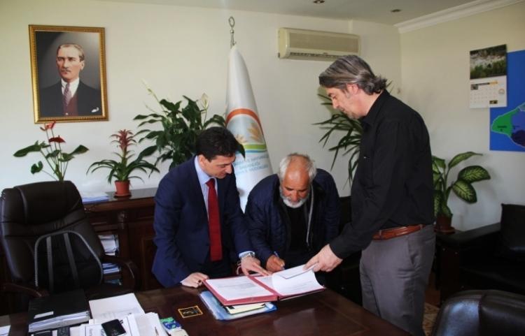 Çiftçiler Sözleşme İmzalandı