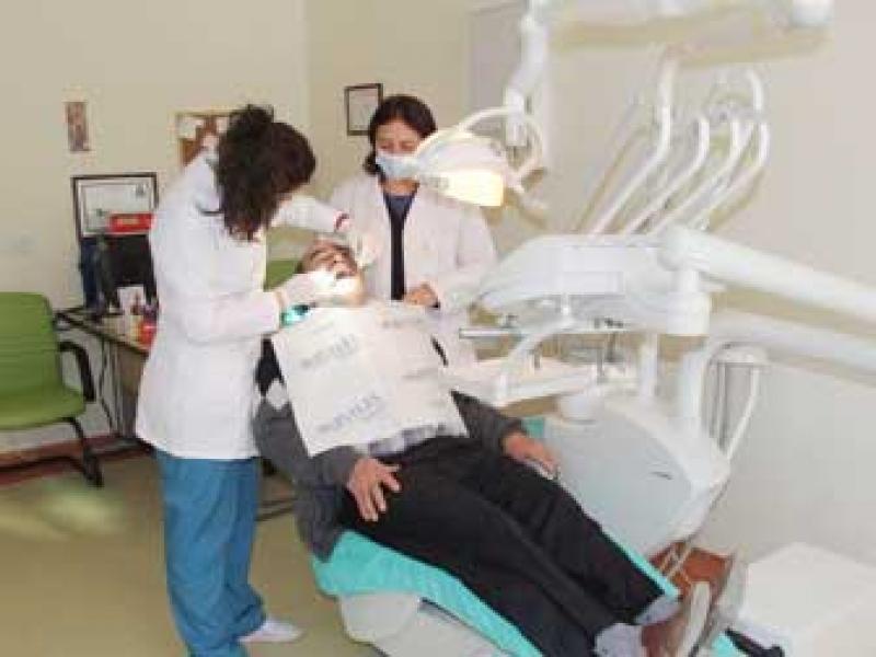 Diş Polikliniği Hizmete Başladı