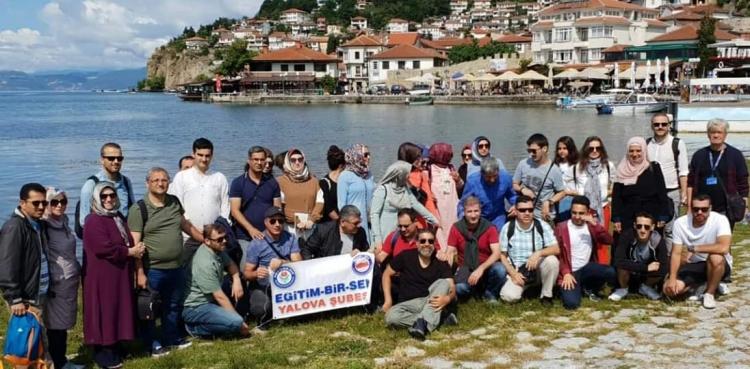 Eğitim Bir-Sen Üyeleri Balkanları Gezdi
