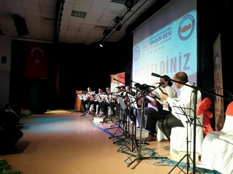 Eğitim-Bir-Sen Üyelerinden Müzik Dinletisi