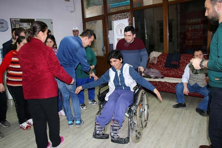 Engelliler Halkoyunları İle Rehabilite Ediliyor