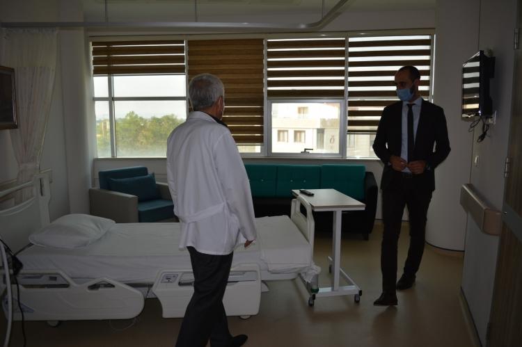 Eray, Altınova Devlet Hastanesinde İnceleme Yaptı
