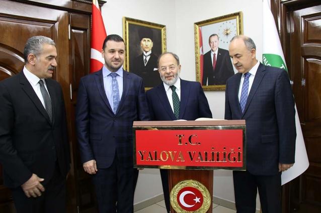 Eski Sağlık Bakanı Recep Akdağ Yalova'da