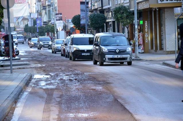 Fatih Caddesi Trafiğe Açıldı