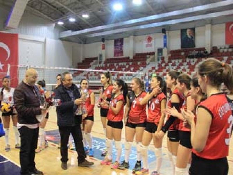 Filede Şampiyon Çiftlikköy Belediyespor