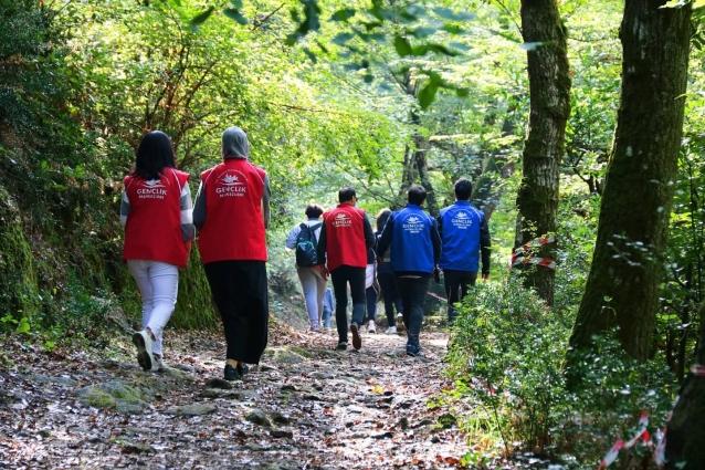 Gençler Doğa Yürüyüşünde Buluştu