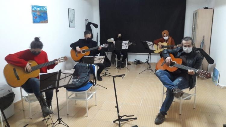 Gitar Kurslarına Büyük İlgi