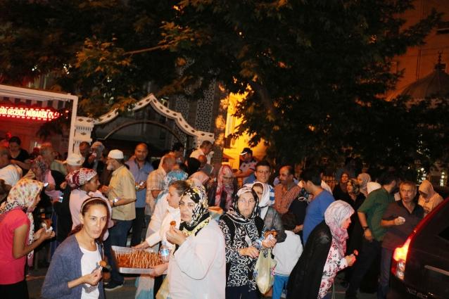 Çınarcık Belediyesi'nden Kandil Helvası