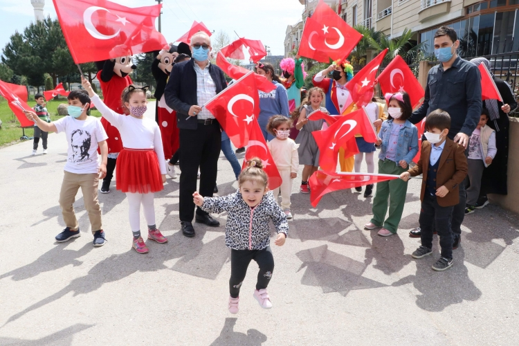 Çiftlikköy'de 23 Nisan Coşkusu Yaşandı