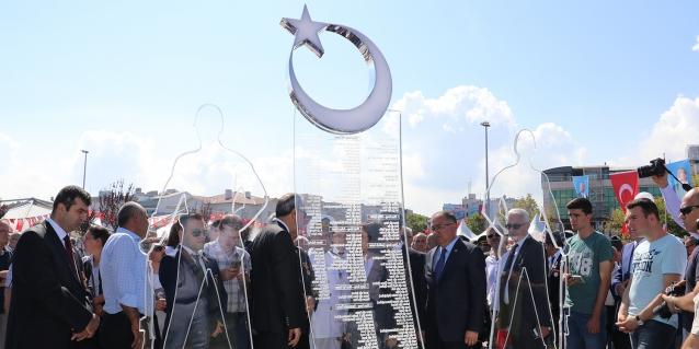 Şehitler Anıtı Açıldı