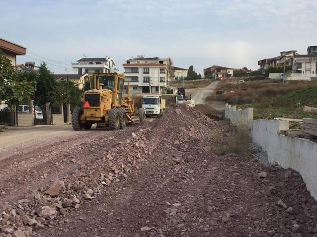 Kadıköy'de Yol Yapım Çalışmaları Sürüyor