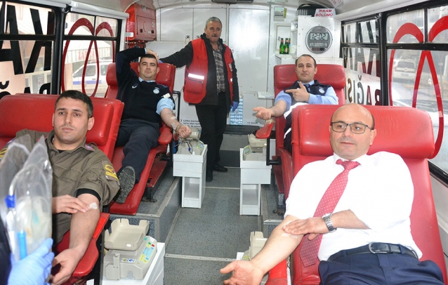 Kan Bağışına Büyük Destek