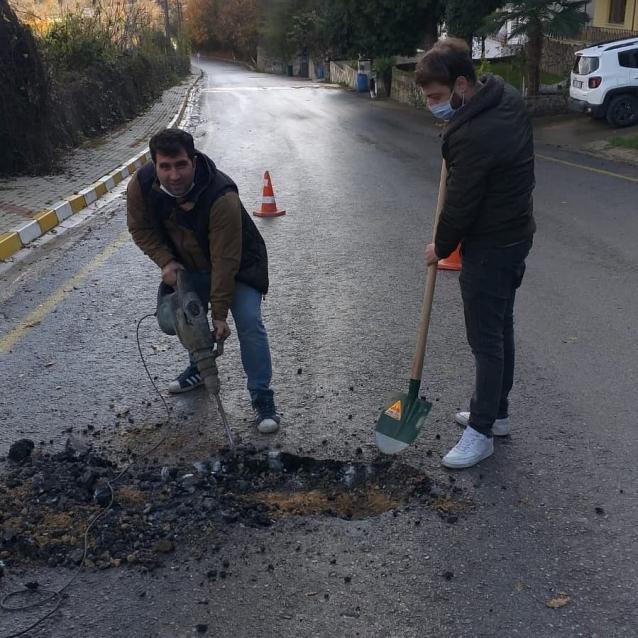 Kanalizasyon Kapakları Yol Seviyesine Çıkartıldı