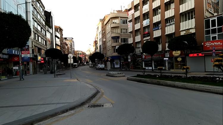Tam Kapanmada Sokaklar Boş Kaldı