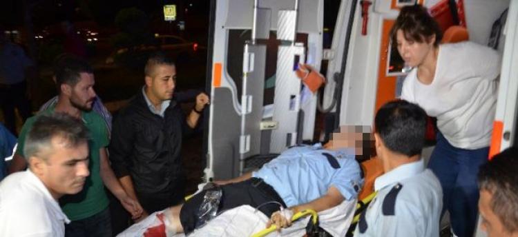 Kavgayı Ayırmaya Çalışan Polis Yüzünden Vuruldu