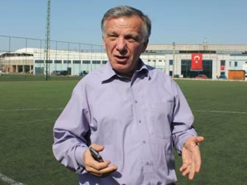 """Koçal, """"Yalovaspor'un Kamu Borçlarını Ödüyor Ve Tesisleşmesinin Önünü Açıyoruz"""""""