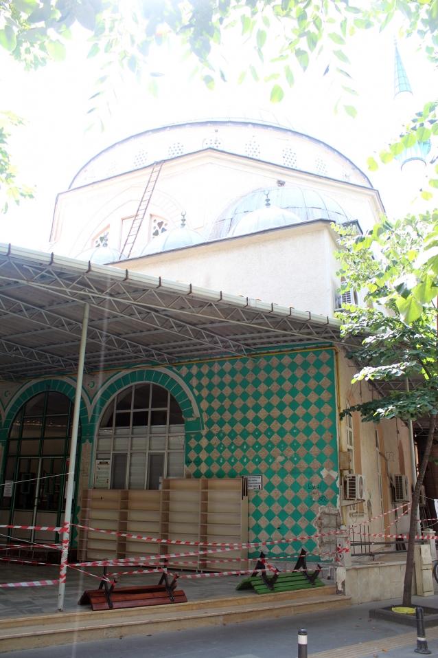 Kubbeli Cami'nin Yıkımına Başlanıyor