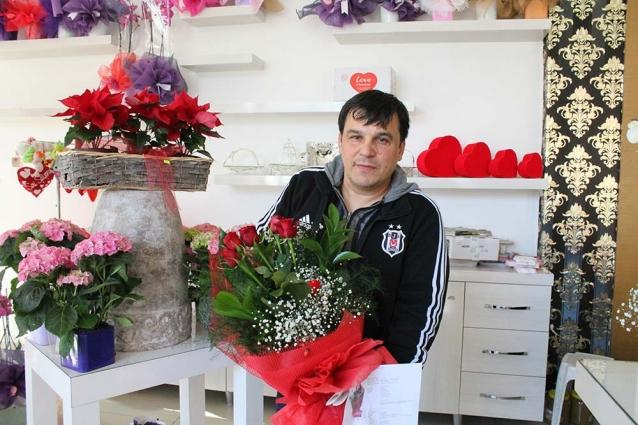 Kuyumcu Ve Çiçekçilerde Sevgililer Günü Yoğunluğu
