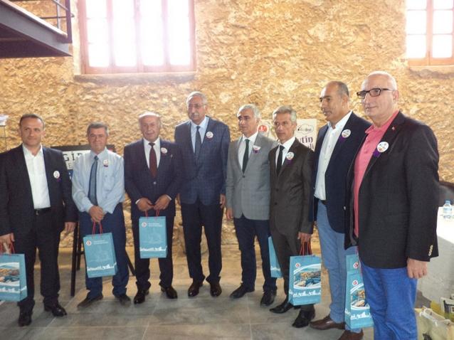 Meclis Üyeleri Girne Belediye Başkanı İle Görüştü