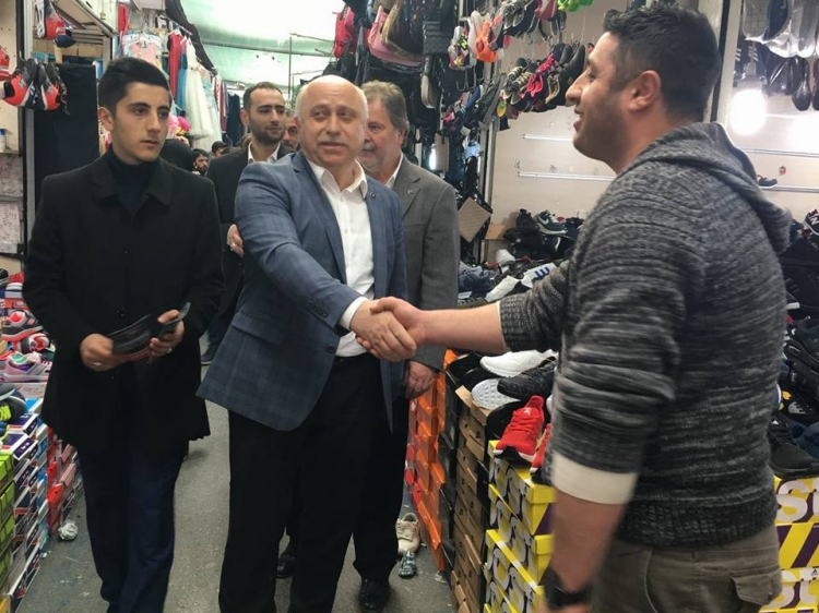 MHP'den Pazar Ve Esnaf Ziyareti