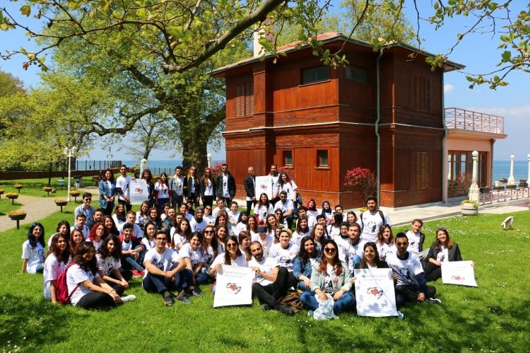 Öğrenciler Çevreyi Güzelleştirmek İçin Birleşti