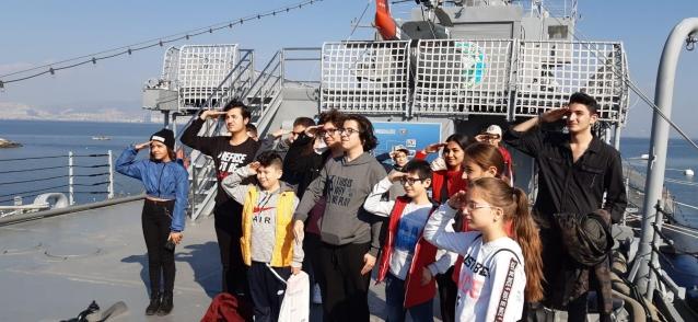 """Öğrencilere, """"İzmir"""" Ödülü"""