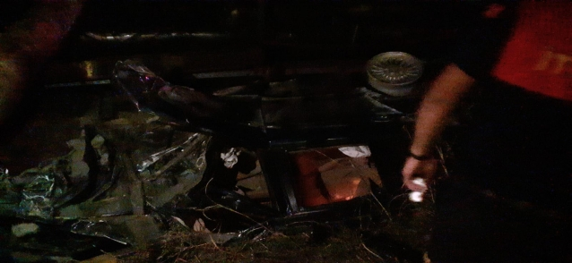 Otomobil Kanala Yuvarlandı: 2 Yaralı