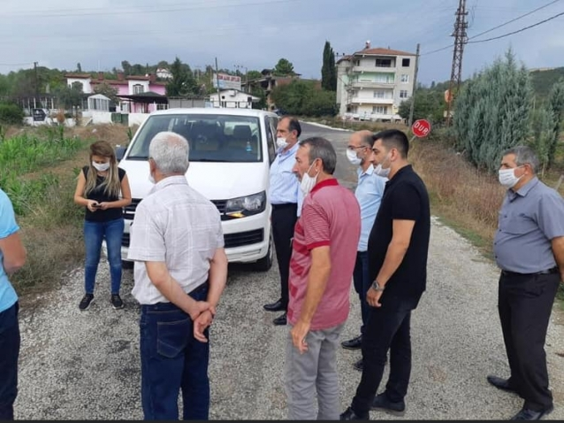 Öz Akköy'lü Çiftçilerin Sorunlarını Dinledi