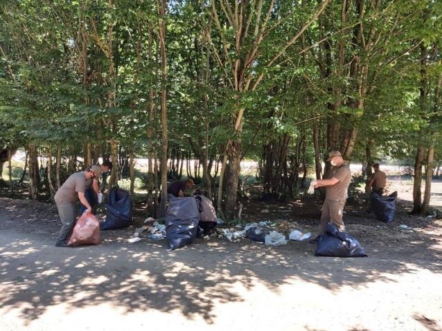 Piknik Yerleri Çöplüğe Döndü
