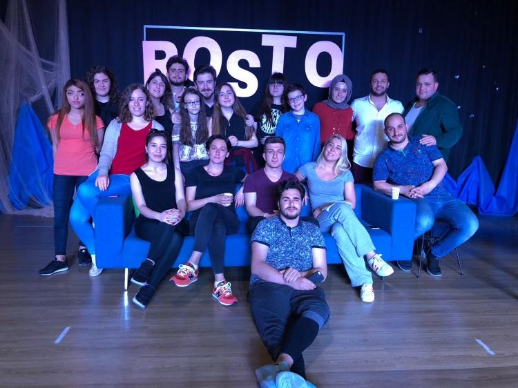 Rosto Best Off'la İzleyenlerle Buluşacak