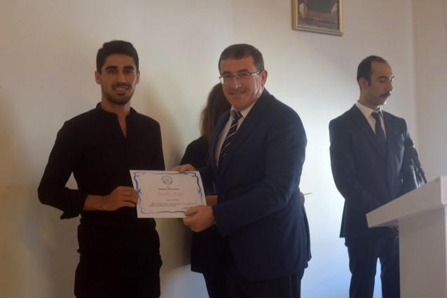 Üniversite Kazanan Öğrencilere Ödül