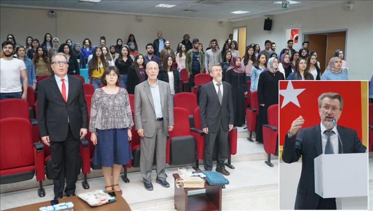 "Üniversiteden, ""Mehmet Akif"" Konferansı"