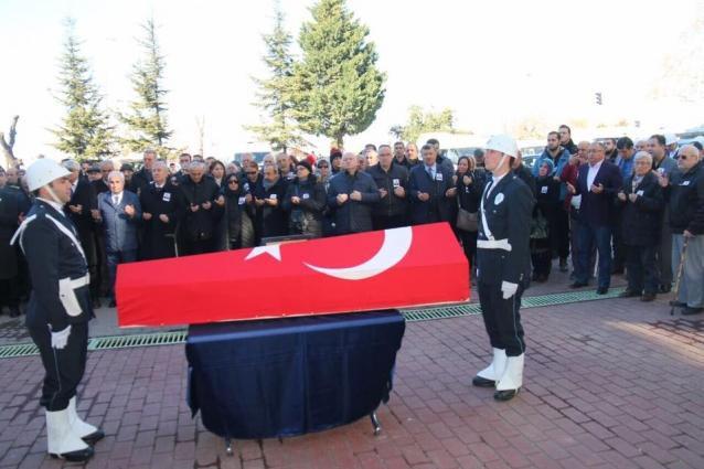 Eski Yalova Valisi Nihat Özgöl Son Yolculuğuna Uğurlandı