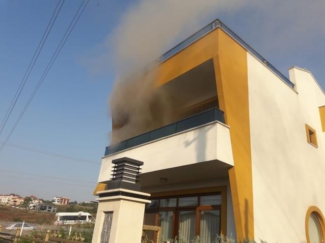 Villa'da Çıkan Yangın Korkuttu