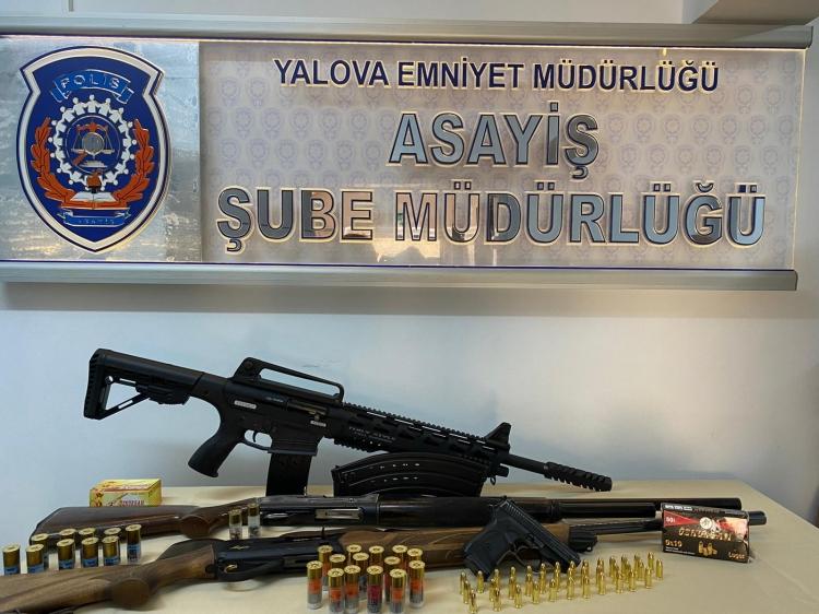 Yalova Polisinden Ruhsatsız Silah Operasyonu